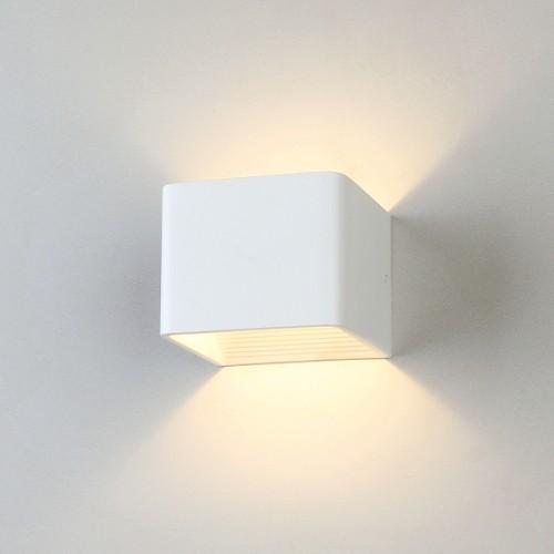 1060 Corudo белый Настенный светильник Электростандарт
