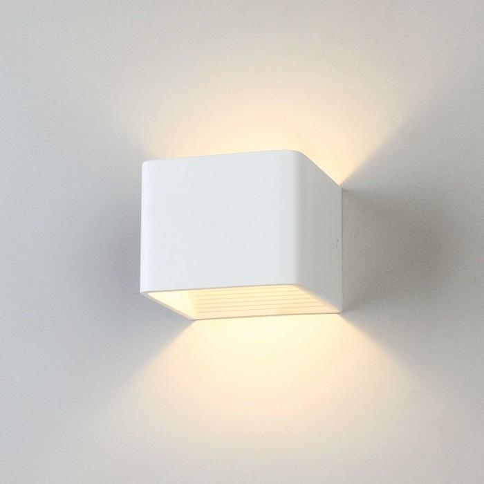 1Настенный светодиодный светильник 1060 Corudo белый Elektrostandart