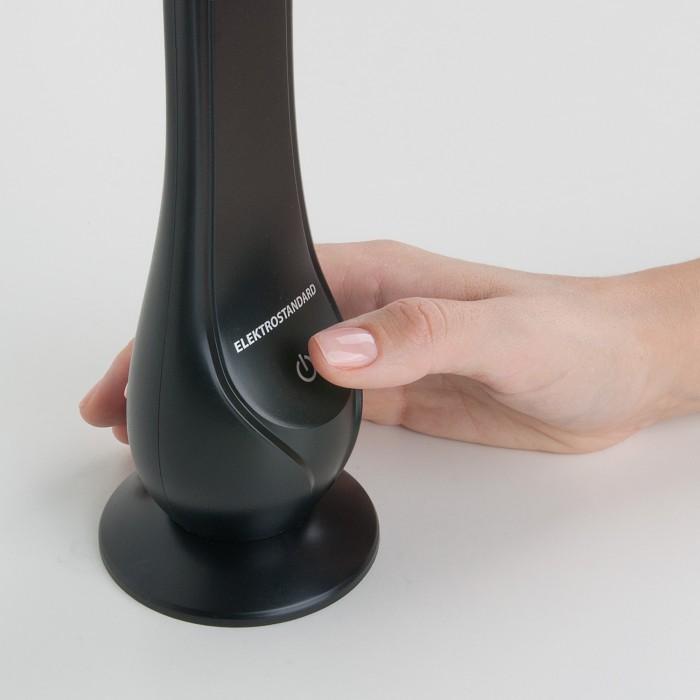 2Настольная лампа TL90420 черного цвета
