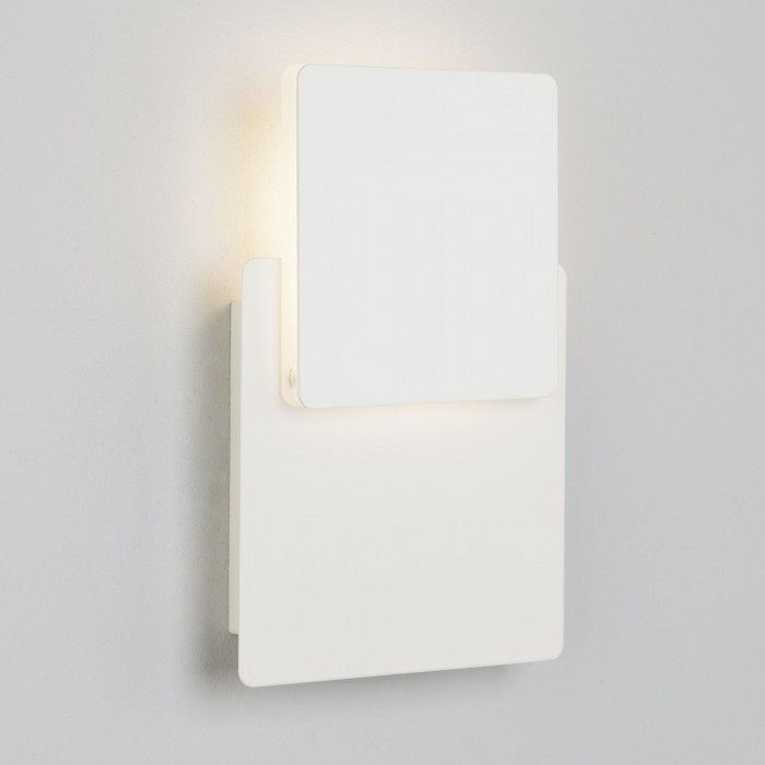 2Настенный светодиодный светильник 40136/1 белый Евросвет