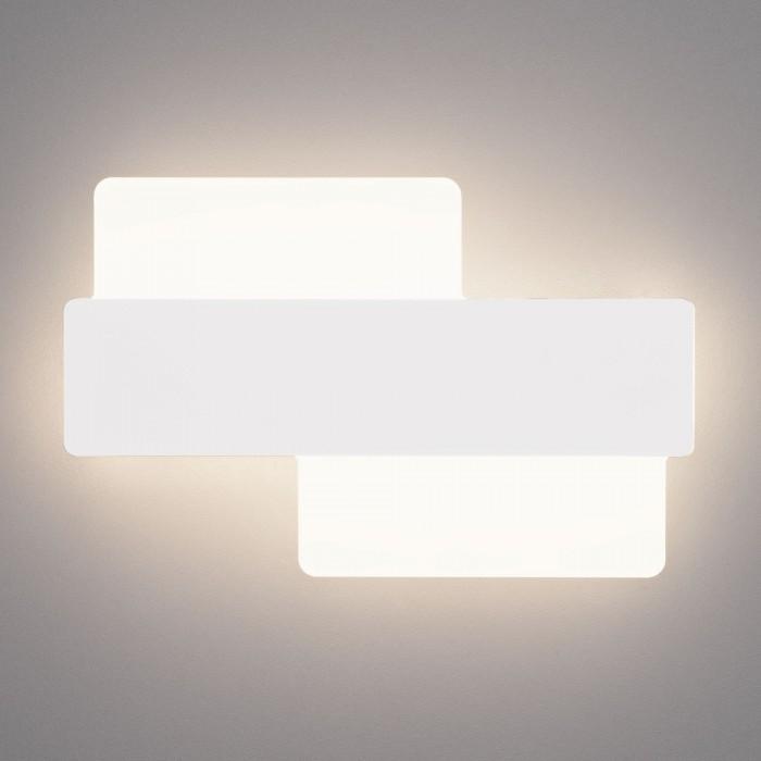 1Настенный светодиодный светильник 40142/1 белый Евросвет