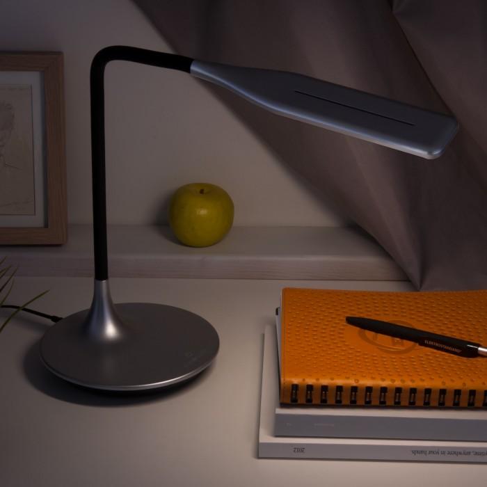 2Светодиодная настольная лампа сенсорная Eurosvet 80422 серебристый