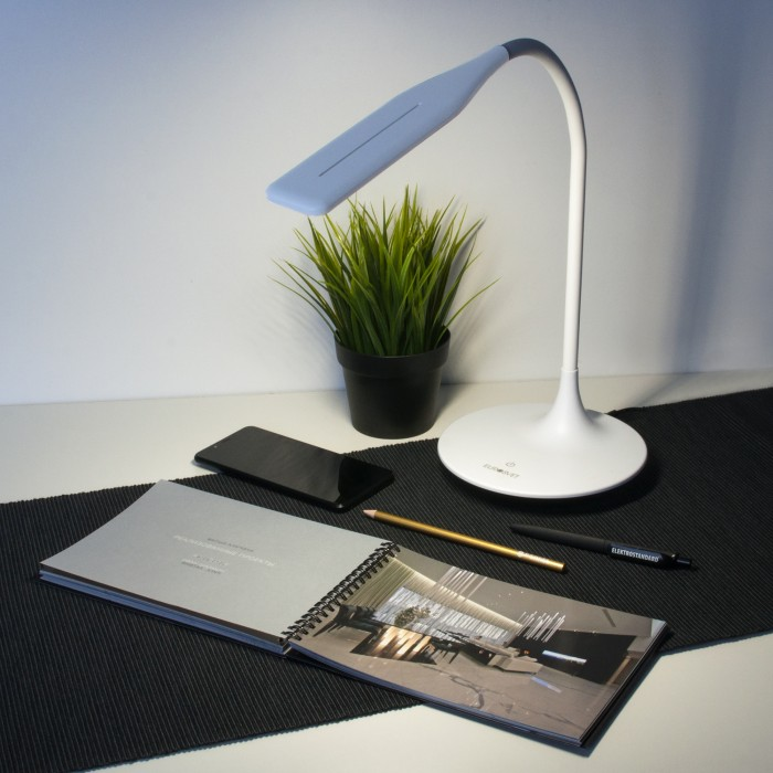 2Светодиодная настольная лампа сенсорная Eurosvet 80422/1 белый