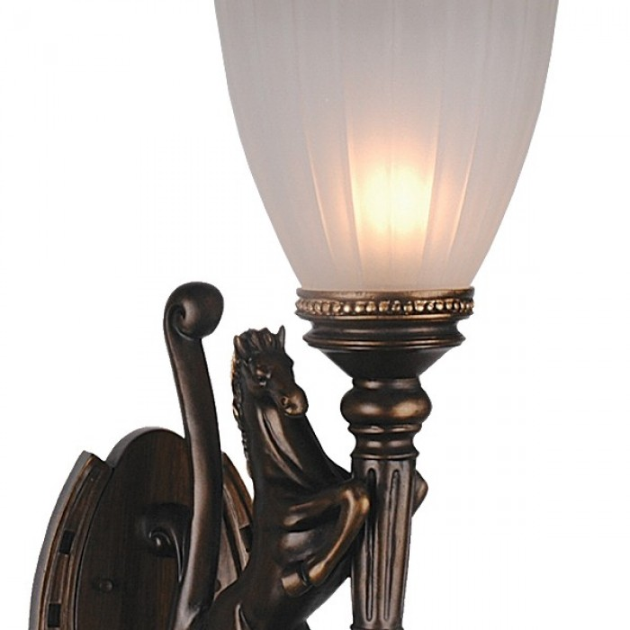 2Настенный уличный светильник 1334-1W Favourite