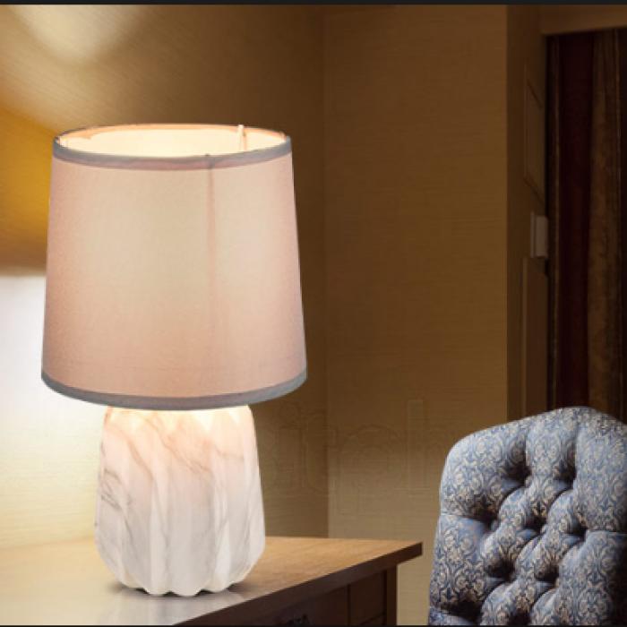 2Настольная лампа 21640 Globo